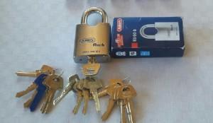 Hänglås Abus klass 3 med Assa D 12 cylinder och nycklar