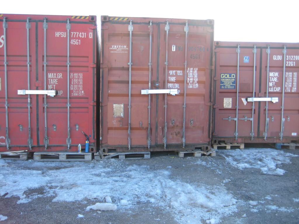 Högsäkerhetsbommen LB 200 på 3 containrar och med Abloy hänglås