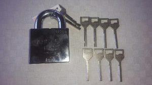 Anchor 880-4 med 10 nycklar tillverkade