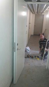 Montering av dörr mm i källare