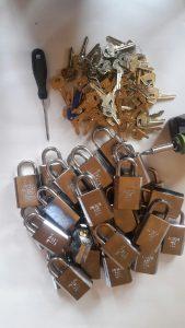 Anchor hänglås många lika låsning Assa abloy cylindrar 1